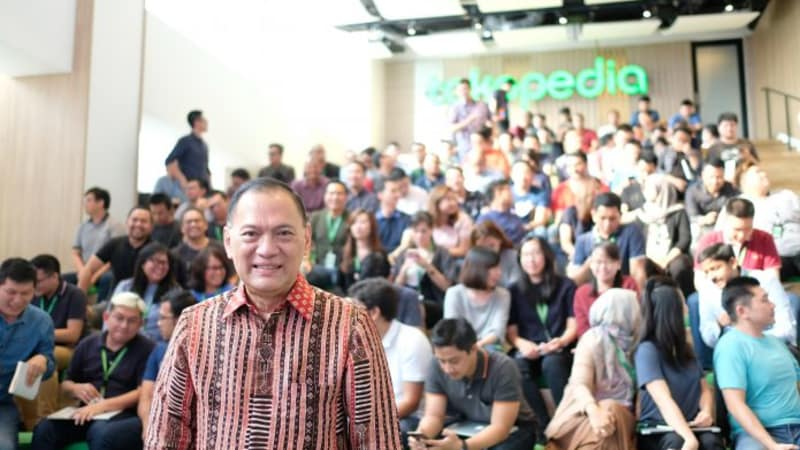 Agus Martowardojo Teamed with Tokopedia